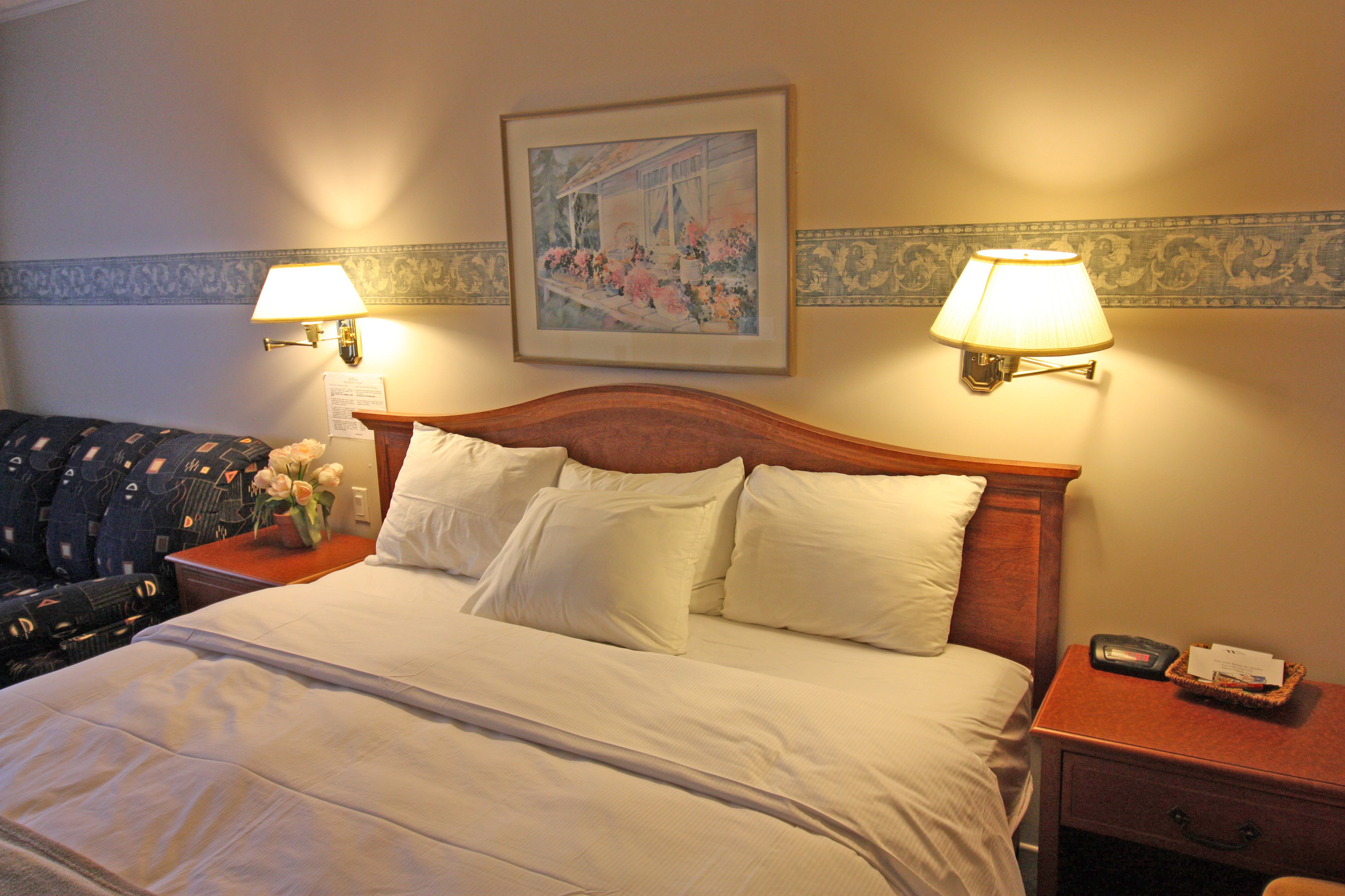 Room, suite and double Jacuzzi - Motel Le Jolibourg, Saint-Sauveur ...